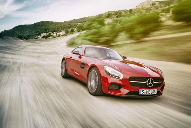 Salon de Paris 2014 - Mercedes AMG GT : machine à volumes