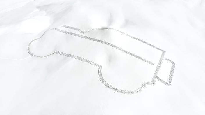 Land Rover: un Defendergéant dessiné dans la neige à LaPlagne
