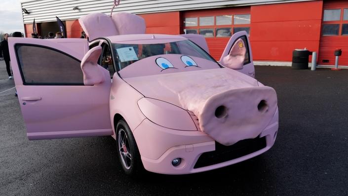 Crazy Ride Game - Quand les concessions Renault se lachent (vidéo)