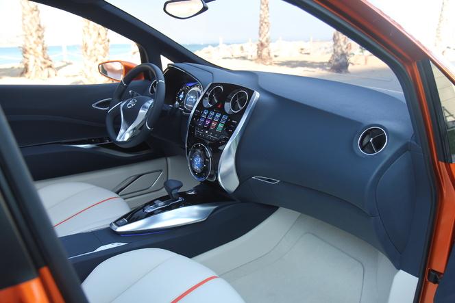 Exclusif : Caradisiac à bord du concept-car Nissan Invitation