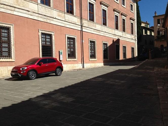 Surprise : voici la Fiat 500X nue