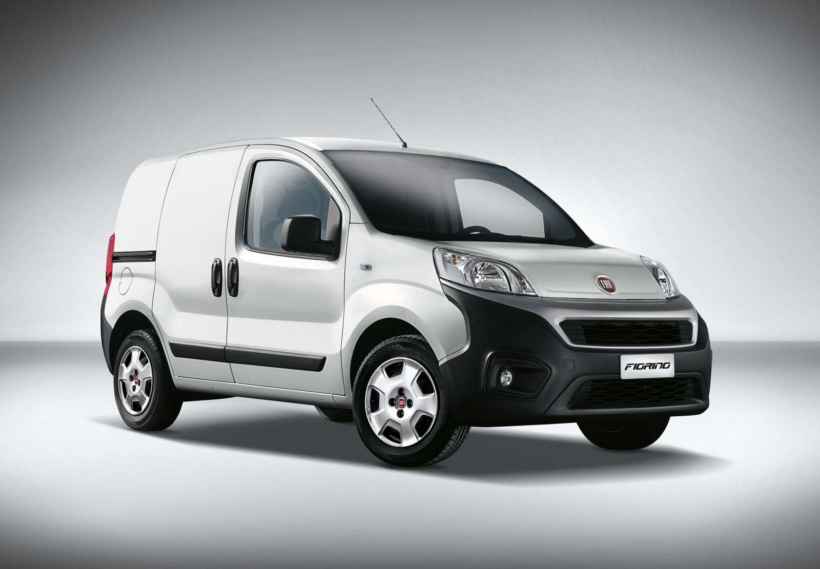 fiat fiorino restyl un utilitaire avec des blocs euro 6. Black Bedroom Furniture Sets. Home Design Ideas