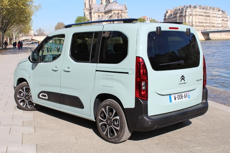Comparatif statique vidéo - Citroën Berlingo (2018) vs Renault Kangoo : la revanche des ludospaces.