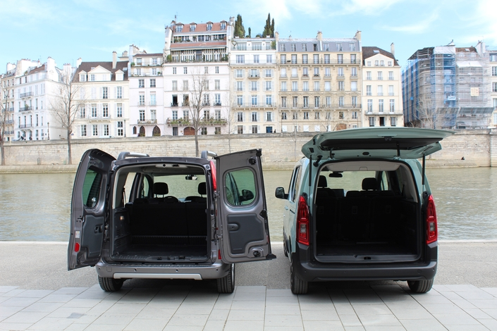 comparatif statique vid o citro n berlingo 2018 vs renault kangoo la revanche des ludospaces. Black Bedroom Furniture Sets. Home Design Ideas