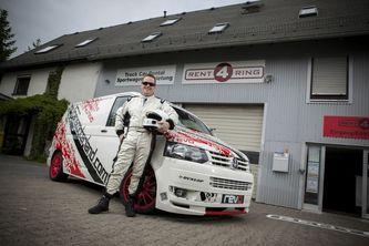 Ring Folies : record pour le VW T5 Revo (vidéo)