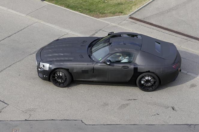 La future Mercedes SLC se montre!