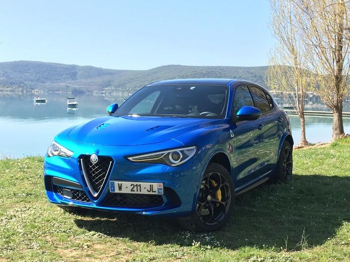 Alfa Romeo Stelvio Quadrifoglio - Voici les premières images de l'essai en direct + Impressions de conduite
