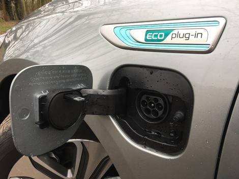 Essai – Kia Optima Hybride Rechargeable: la Passat GTE dans le viseur