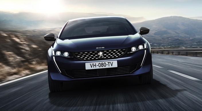 """Le patron de Peugeot rassure les automobilistes: """"Faites-vous plaisir, je m'occupe du reste"""""""