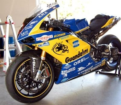 Superbike - Losail D.2: Smrz leader Ducati