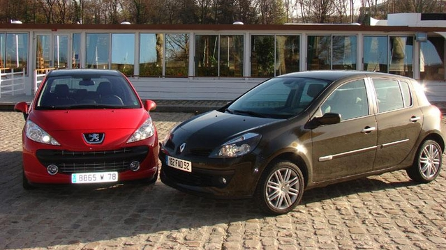 peugeot 207 vs renault clio 3 le match fiabilit. Black Bedroom Furniture Sets. Home Design Ideas