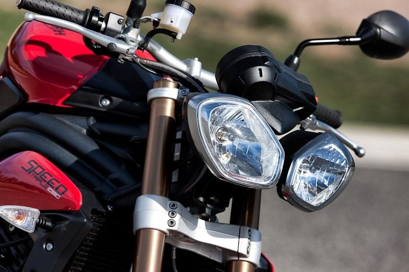 Triumph Speed Triple 1050 : un nouveau regard