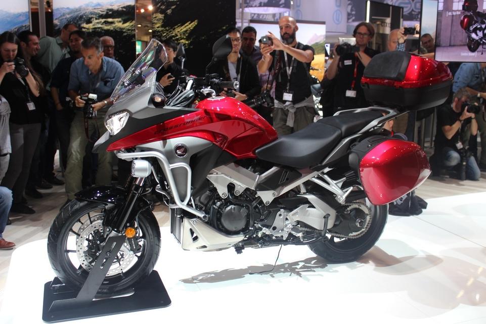 Intermot – Honda : une Crossrunner de plus en plus VFR