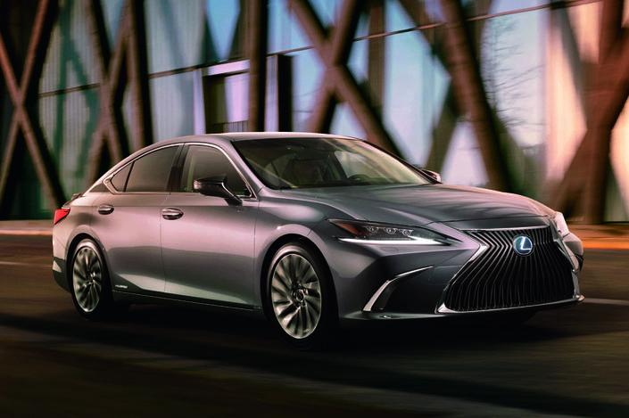 Lexus ES: première photo de la nouvelle berline hybride