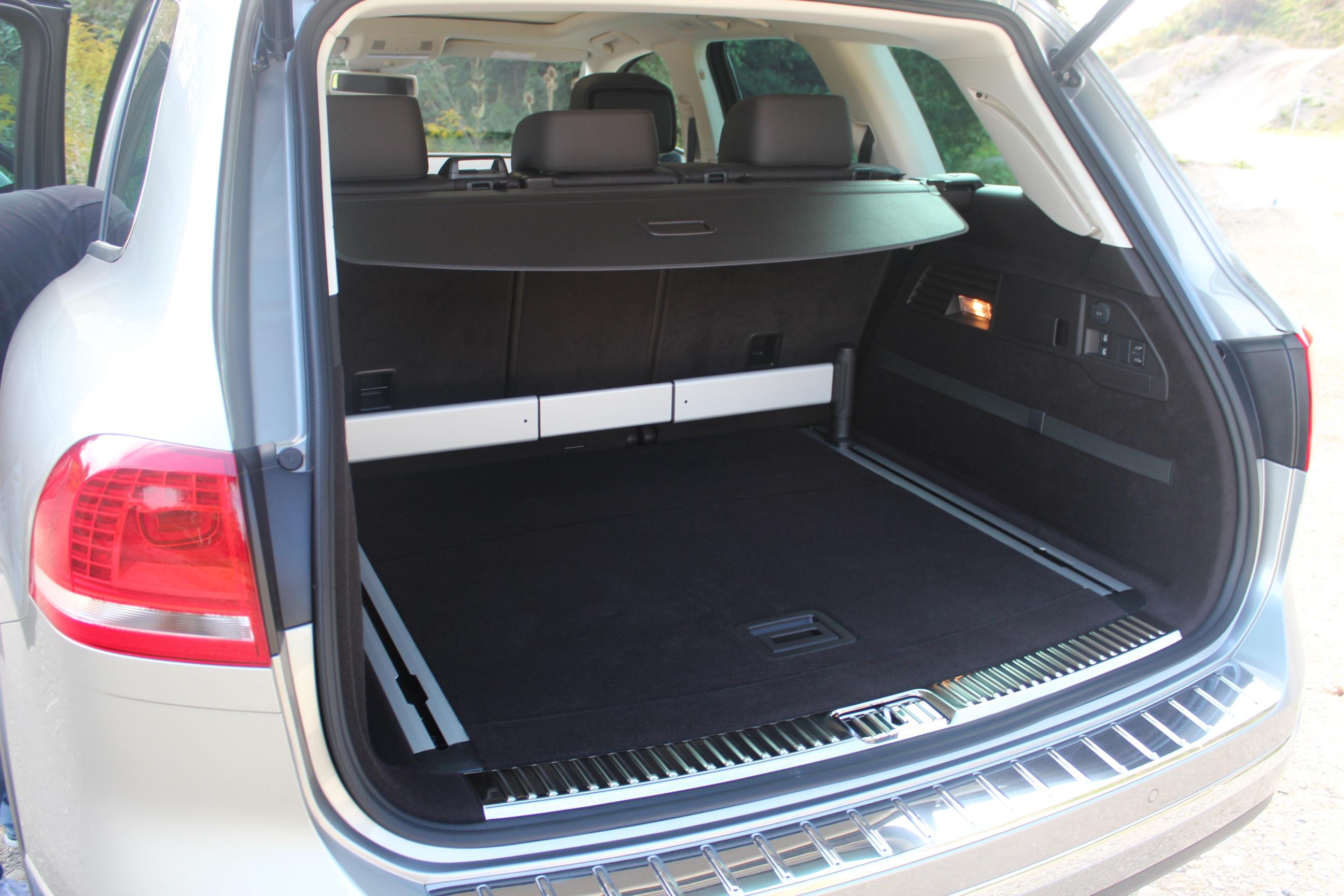 essai vid o volkswagen touareg restyl l g re mise jour. Black Bedroom Furniture Sets. Home Design Ideas