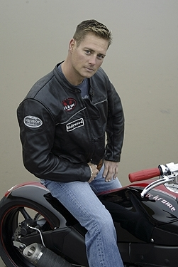 Transformation d'une Yamaha YZFS R6 en ... autre chose de Mr Kris Krome