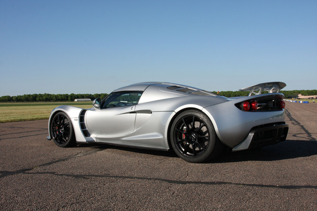 http://images.caradisiac.com/images/7/7/5/1/57751/S0-Henessey-Venom-GT-officielle-et-en-photos-HD-184183.jpg