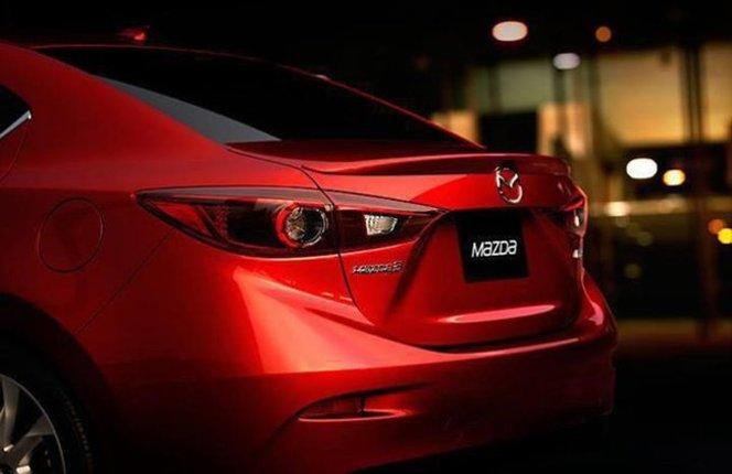 Mazda 3 : un premier cliché de la version sedan ?