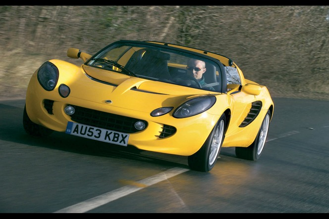 lotus elise mk2 une voiture minimale qui en donne un. Black Bedroom Furniture Sets. Home Design Ideas