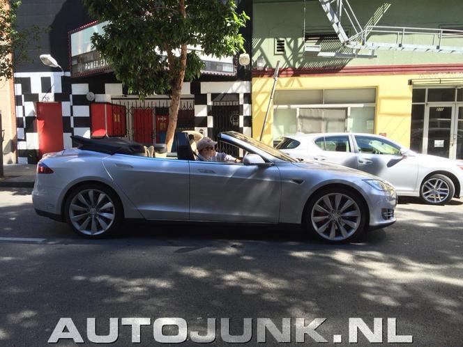 Une Tesla Model S cabriolet repérée dans la rue