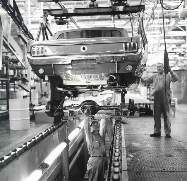 Le lancement commercial de la première Mustang est un carton