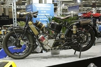 Salon Rétromobile : une petite place pour la moto ?