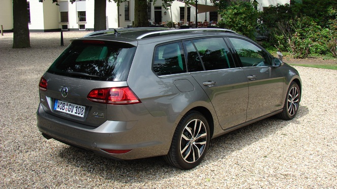 Vw golf sw variant photos finitions options page 3 for Garage volkswagen lyon 7