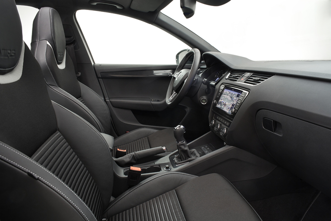 la nouvelle skoda octavia rs vue de l 39 int rieur. Black Bedroom Furniture Sets. Home Design Ideas