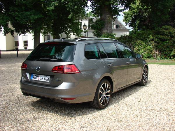 S7-Volkswagen-Golf-7-SW-en-avant-premiere-les-photos-de-l-essai-297335