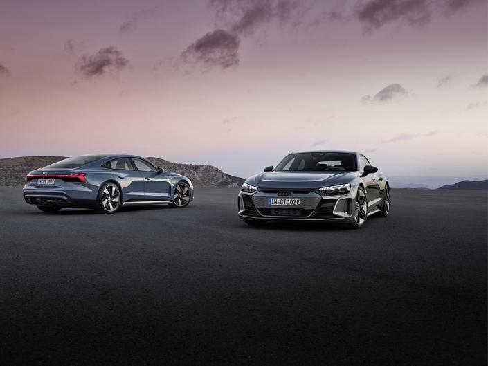 Audi démarre une nouvelle ère avec l'e-tron GT et sa version RS - Caradisiac.com