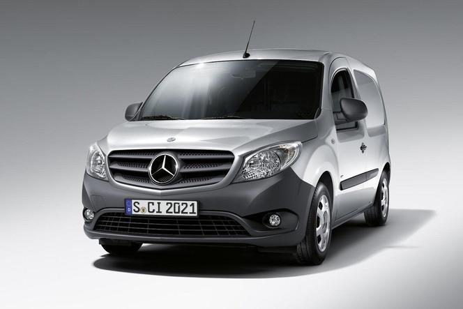 voici le nouvel utilitaire mercedes le citan. Black Bedroom Furniture Sets. Home Design Ideas