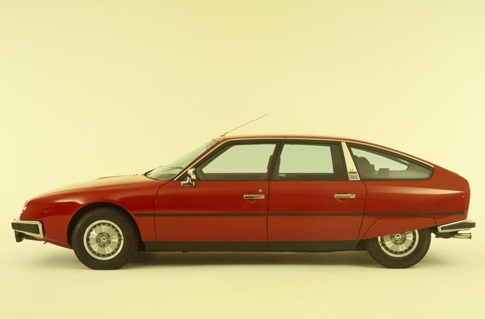 La première CX GTI, en 1977. Notez l'abondance de chromes, étonnante sur une soi-disant sportive…
