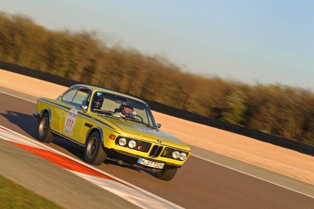 Sur route et sur circuit, notre magnifique BMW 3.0 CSL 1973 se sortira de toutes les difficultés avec honneur. L'avant-dernière étape faillit pourtant être la dernière (photo Frédéric Veillard).