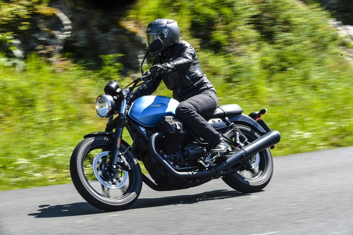 Essai Moto Guzzi V7 lll : la gamme sous les projecteurs