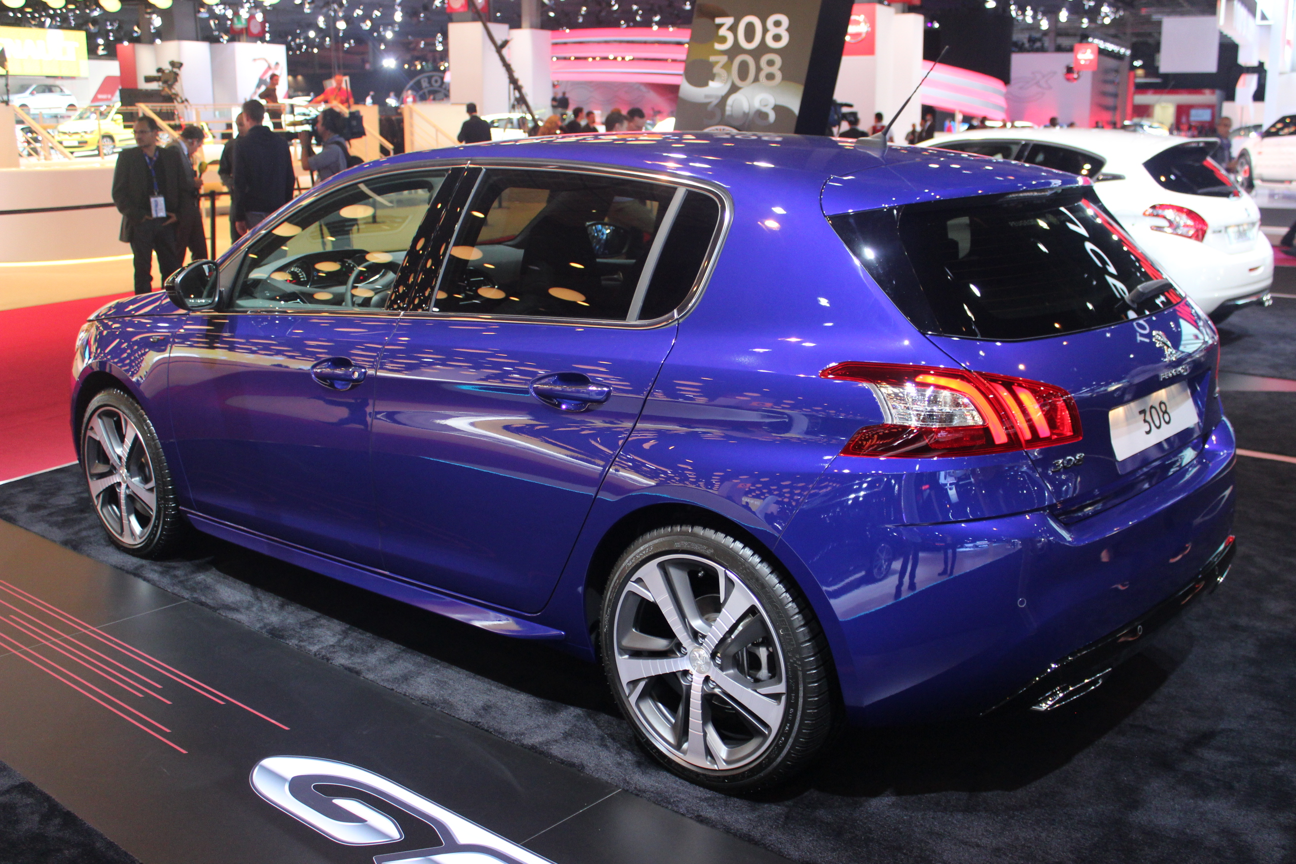 peugeot 308 gt en attendant la r vid o en direct du salon de paris 2014. Black Bedroom Furniture Sets. Home Design Ideas