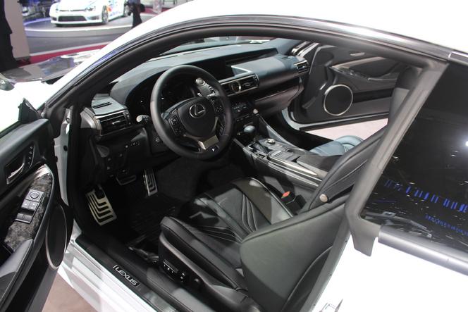 Lexus RC 300 h : soft - En direct du salon de Paris 2014