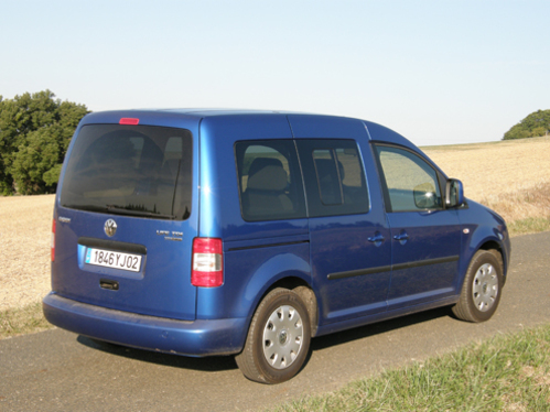 volkswagen caddy tdi 105 fap bluemotion a retenir les prix. Black Bedroom Furniture Sets. Home Design Ideas