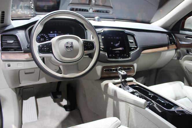 Volvo XC90 : le premier sino-suédois - Vidéo en direct du Salon de Paris 2014