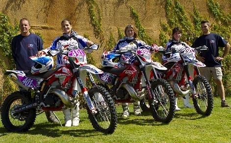 ISDE : Les motos sont en parc fermé, belles, très belles