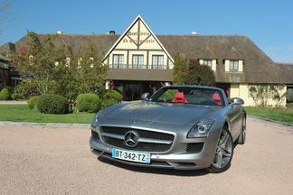 Essai vidéo - Mercedes SLS Roadster : plus désirable, c'est possible ?