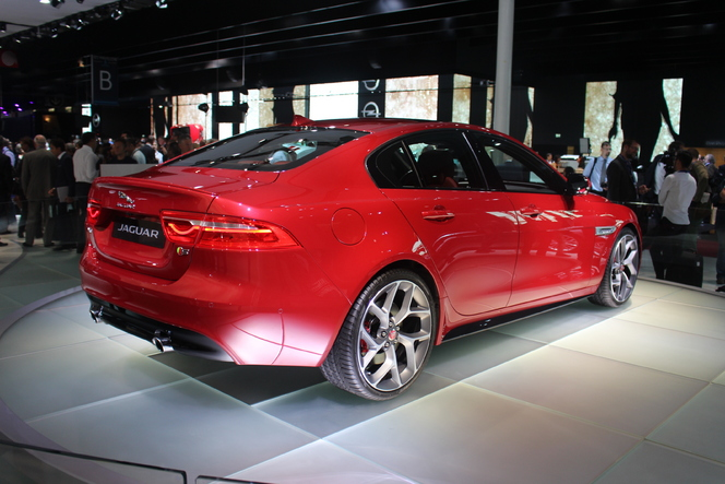 Jaguar XE : fracassante - Vidéo en direct du salon de Paris 2014