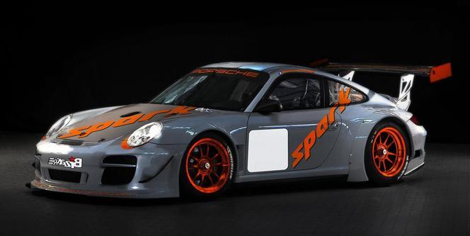 Romain Dumas relève le défi de Pikes Peak sur une Porsche!