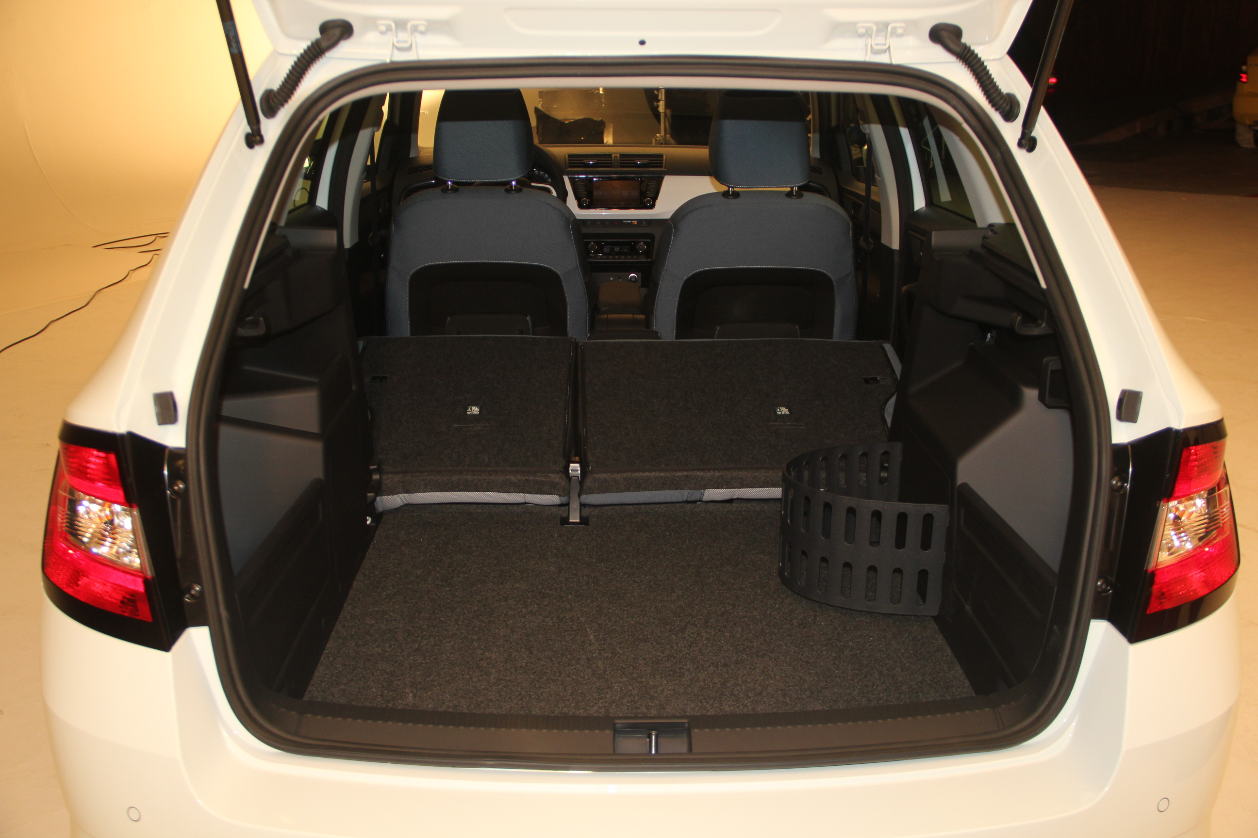 skoda fabia combi drive 1 2 tsi 90 neuve pr sentation skoda forum marques. Black Bedroom Furniture Sets. Home Design Ideas