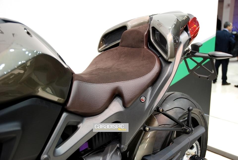 Salon de Milan 2010, en direct : Benelli TNT 899 et 1130 Century Racer