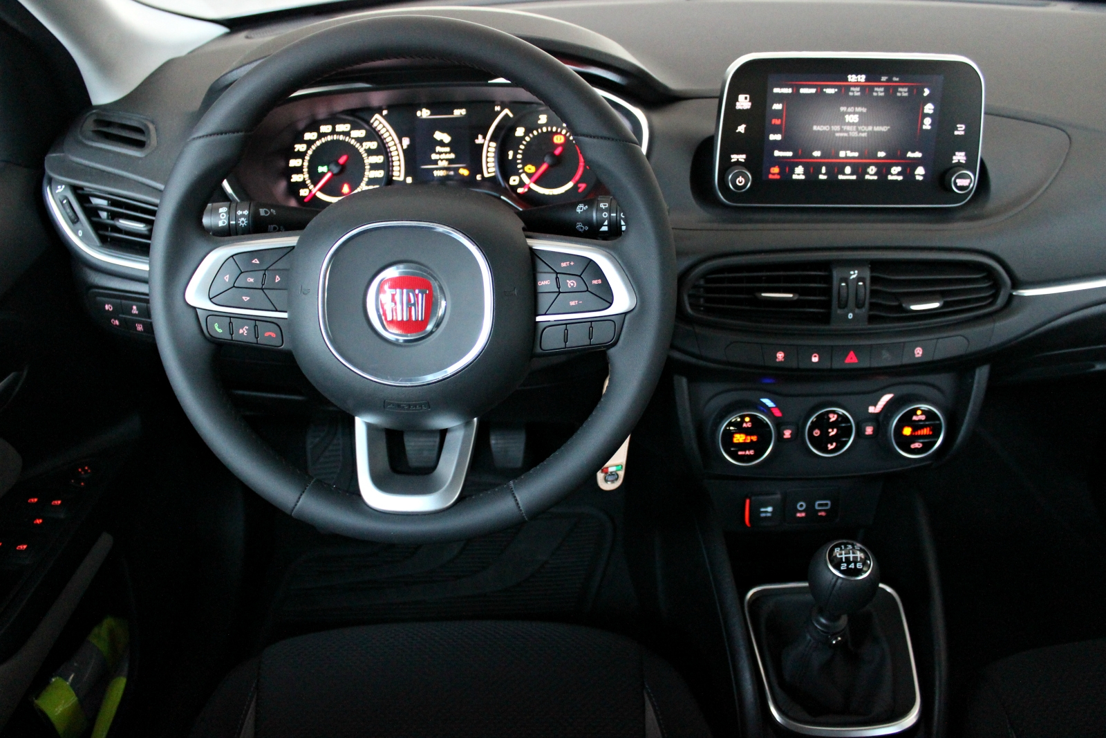 Essai vid o fiat tipo 5 portes la vraie voiture essentielle - Voiture 3 portes ou 5 portes ...