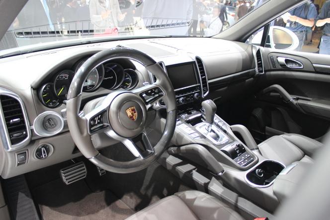 Porsche Cayenne restylé : écolo ? - Vidéo en direct du salon de Paris 2014