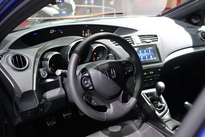Honda Civic 9 restylée : discret  - Vidéo en direct du salon de Paris 2014
