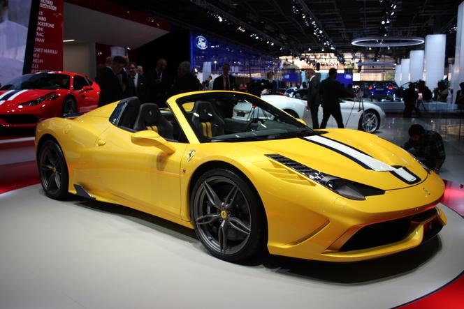 Ferrari 458 Speciale A : décoiffage - Vidéo en direct du salon de Paris 2014
