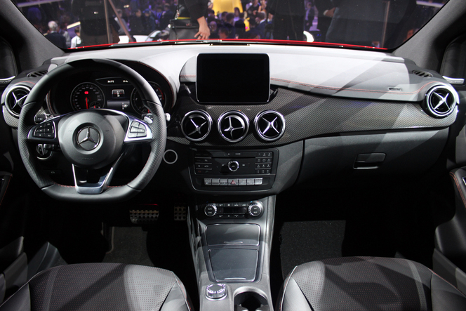 Mercedes Classe B restylé : mise au point - Vidéo en direct du salon de Paris 2014