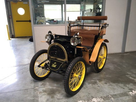 Voici la première Renault, la Type A.